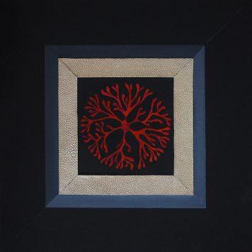 Composition de coraux avec encadrement part imitation de Galuchat - Technique mixte - Châssis 40 cm x 40 cm
